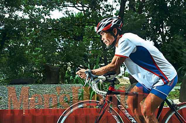Stricken with polio, paratriathlete Sixto Ducay never feels he's at a disadvantage