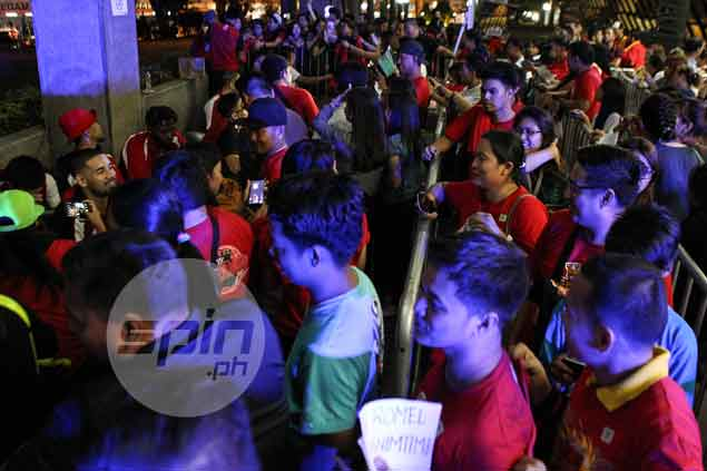 SMB fans come in droves to fete their heroes.