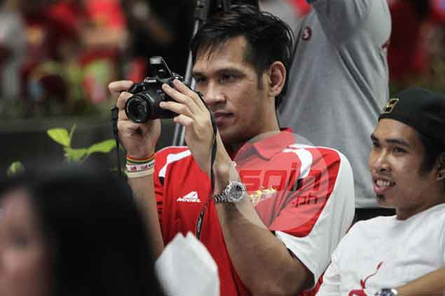 June Mar Fajardo tries his hand at photography.