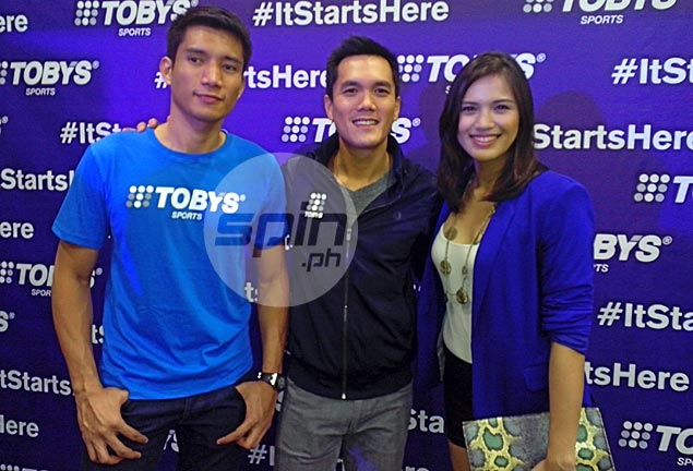 Owner Toby Claudio poses with two of his ambassadors James Yap and Michele Gumabao. Photo by Snow Badua