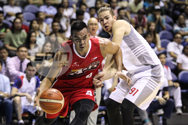Big blow for Alaska as Vic Manuel out at least two weeks due to right calf strain