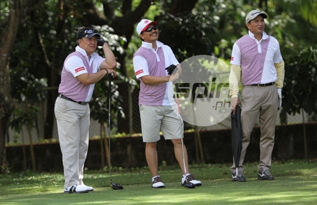 Capt. BJ De Guzman, Edwin M. Jose and Arnel Dizon await their turn. Jerome Ascano
