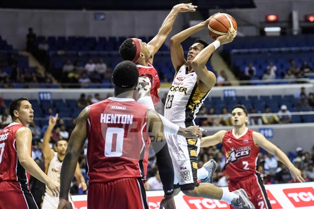 Former high school star Keith Agovida revives career with late heroics for Mahindra
