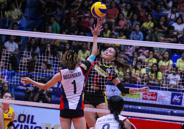 F2 Logistics dethrones Petron, sets up Super Liga finals showdown with Foton