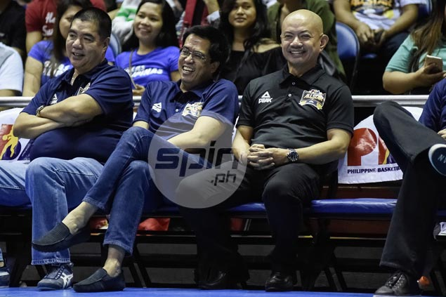 Yeng Guiao in relaxed mood for a change as he relishes coaching longtime rivals
