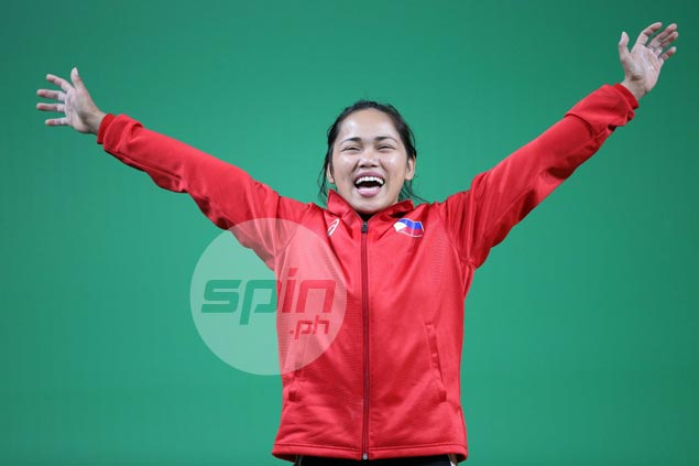 Hidilyn Diaz finds it fitting to win Olympic silver on mother's birthday: 'This is for you, mom'