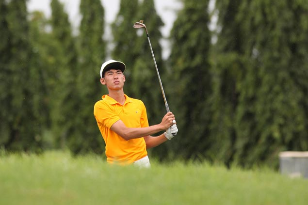 Micah Shin fires a six-under 65 for two-stroke lead at Riviera Classic