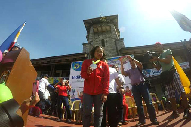 Hidilyn Diaz savors warm Zamboangueno embrace in homecoming parade