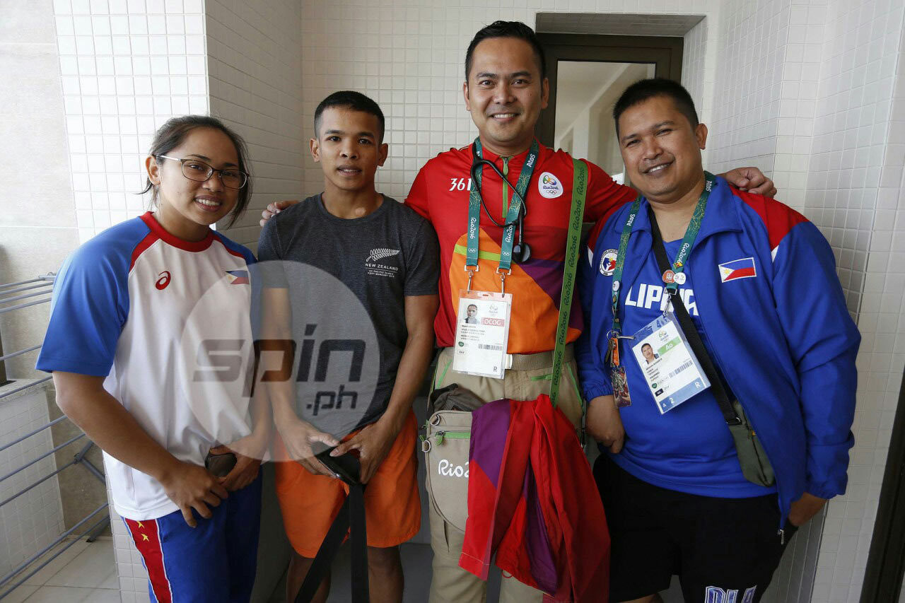 Pinoy medical volunteer pays way to Rio - and ends up witnessing Hidilyn Diaz make Olympic history