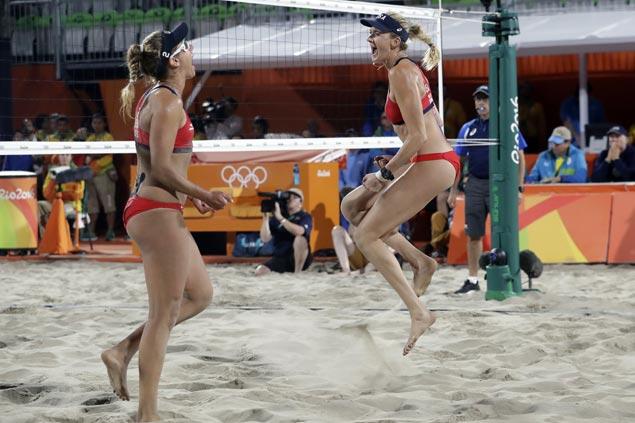 April-Ross and Kerri Walsh Jennings beach volleyball