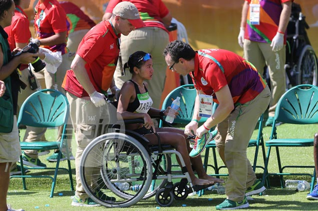 Mary Joy Tabal struggles but refuses to quit, finishes Olympic marathon in 124th place