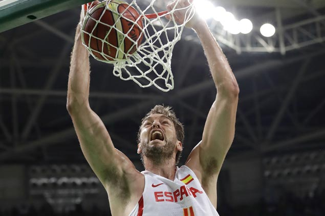 Pau Gasol passes Spurs teammate Tony Parker as all-time scoring leader in EuroBasket