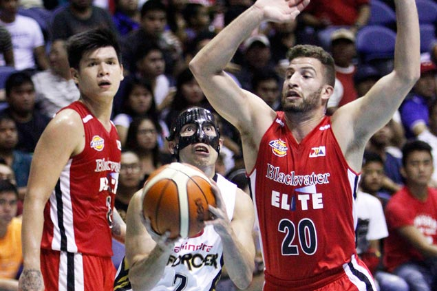 'Masked man' LA Revilla was a general out there, says Mahindra coach