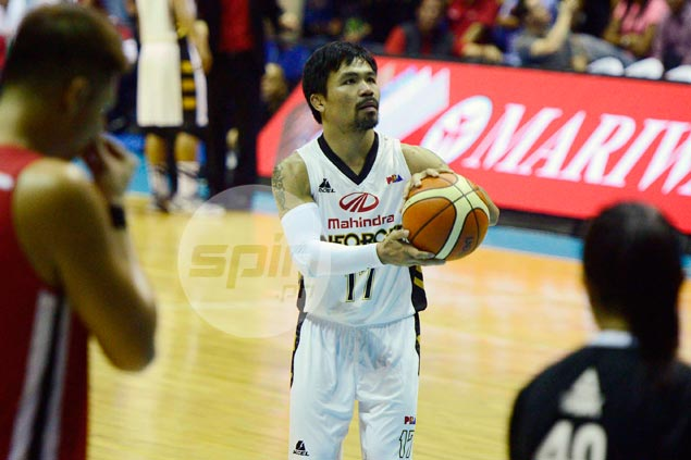 Pacquiao strategy? Playing-coach metes out fines, push-ups to keep Mahindra offense flowing