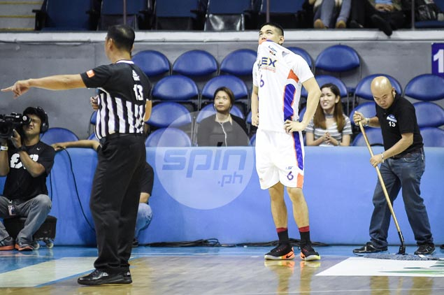 Kevin Alas says 'it's a flop' after lady ref's controversial call slammed door on NLEX