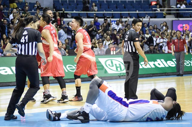 Phoenix pulls off win in wild overtime ending as NLEX left fuming by refs' calls