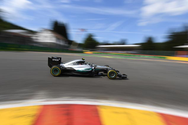 As Lewis Hamilton sits back, Nico Rosberg works to top Belgian GP qualifying for 28th career pole