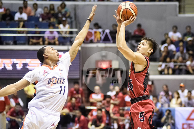 Timely Alex Cabagnot baskets help San Miguel hold on to win over Meralco Bolts