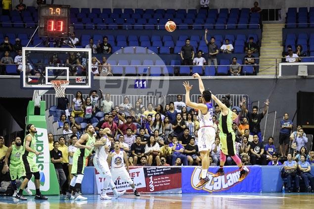 Cool Ranidel De Ocampo rescues TNT Katropa in face of fiery GlobalPort comeback