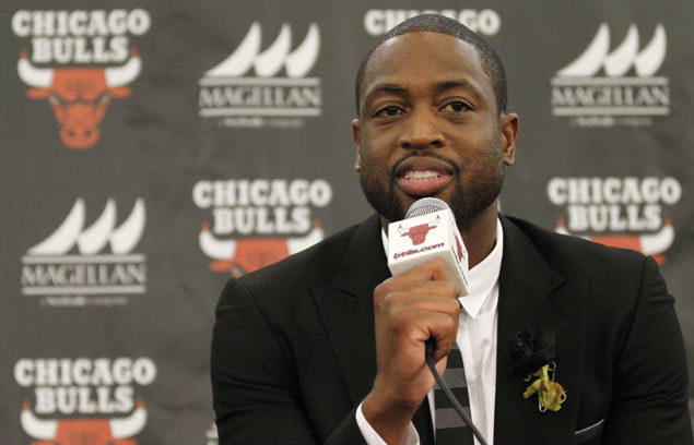 NBA star Dwyane Wade calls for tougher gun laws in wake of cousin's death