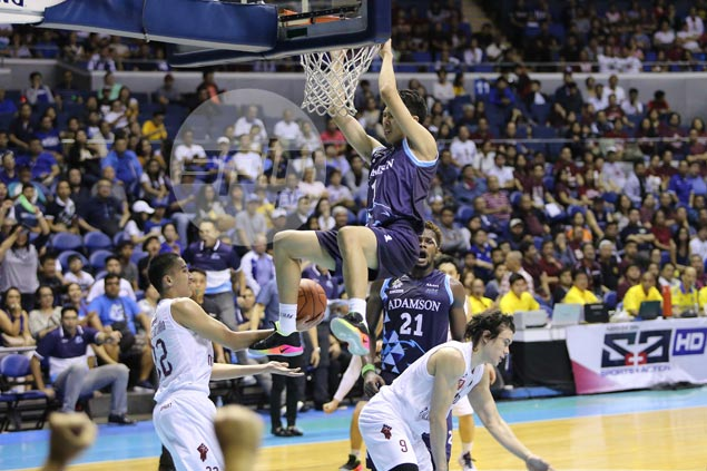High-flying Falcons rookie Sean Manganti provides highlight with two-handed dunk