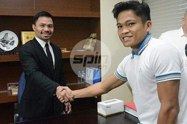 Pacquiao rewards world champ Jerwin Ancajas with a bonus that's thrice his prize money