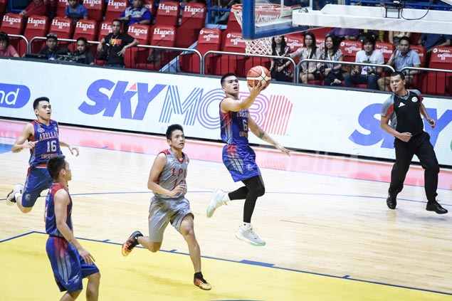 Jio Jalalon delivers down the stretch as Arellano Chiefs squeak past Lyceum Pirates