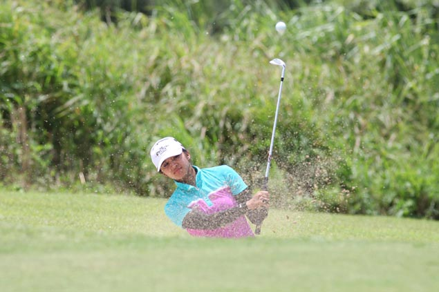 Princess Superal misses several scoring chances but gains share of lead in Sherwood Ladies Classic