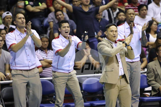 Chris Gavina earns praise from Ginebra's Tim Cone, describes Mahindra counterpart as 'special'