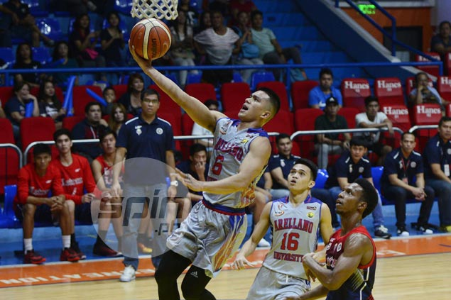 Jalalon outduels Nambatac as Arellano sends defending champ Letran on the brink of early exit