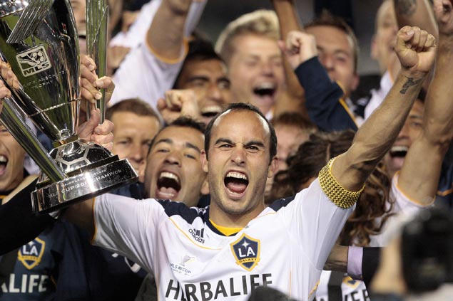 Landon Donovan comes out of two-year retirement to rejoin LA Galaxy