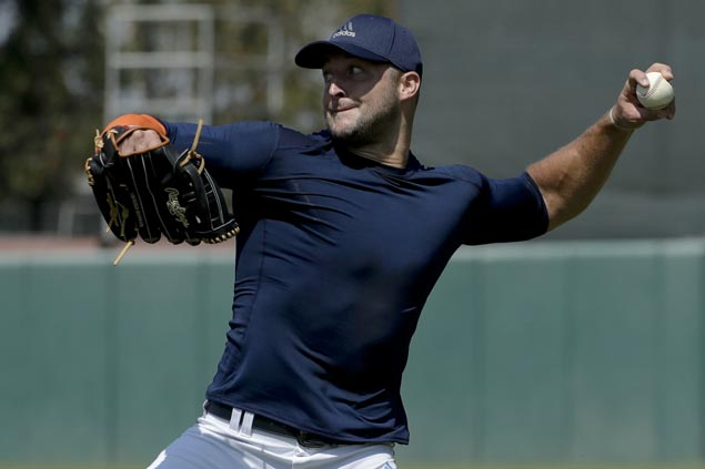 New York Mets take chance on Tim Tebow, sign former NFL star to minor league contract