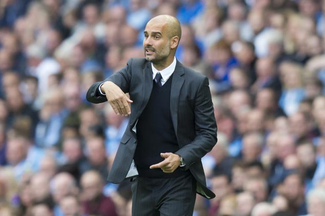 Pep Guardiola gets better of old rival Jose Mourinho as City downs United in Manchester derby