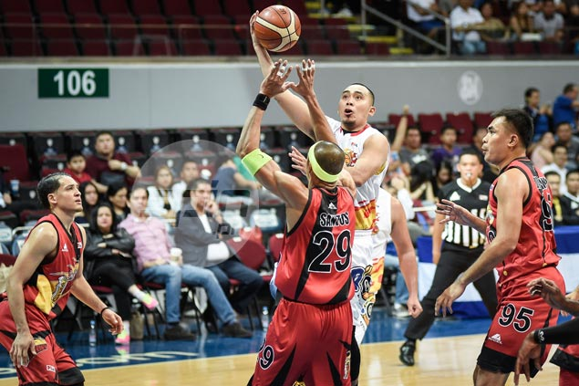 Misfiring Paul Lee urges Rain or Shine to stay together in face of adversity