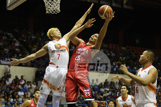 Ginebra foils Phoenix to stay in contention for No. 1 seeding in PBA playoffs