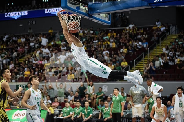 Ricci Rivero punctuates La Salle rout of UST with electrifying two-handed reverse dunk