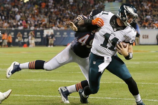 Rookie QB Carson Wentz shines anew as Philadelphia Eagles take down Chicago Bears