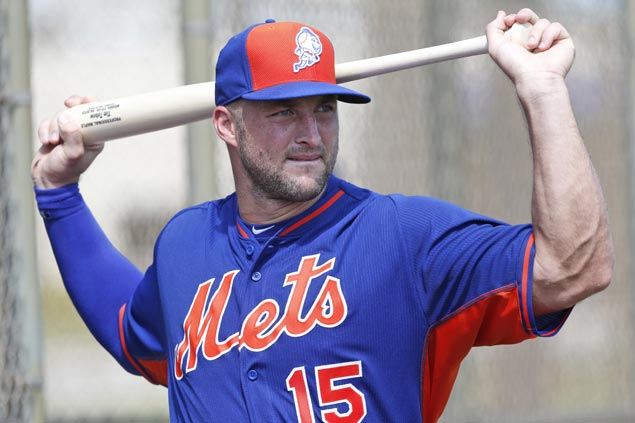 Former NFL QB Tim Tebow wears same number to new sport in first workout at New York Mets camp