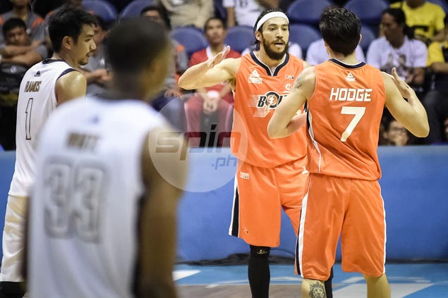 Durham, Dillinger deliver as Meralco nips Mahindra anew to earn twice-to-beat edge