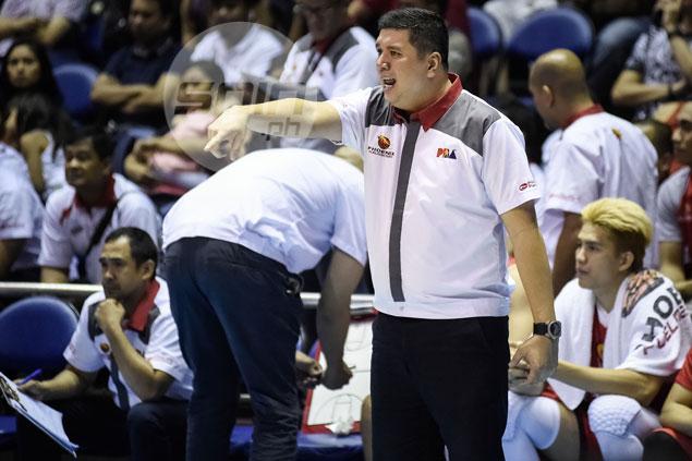 Phoenix in search for Eugene Phelps prototype, says coach: 'Huwag silang magulat kung may trades na mangyari'