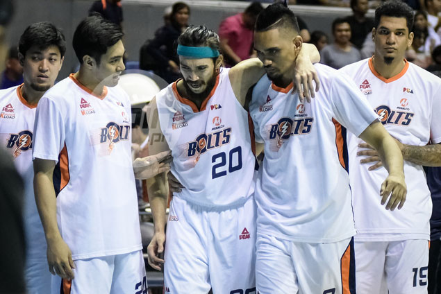 Jared Dillinger keeping fingers crossed after hurting hamstring late in Meralco win