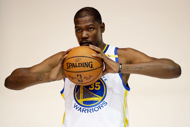 Kevin Durant given green light from Warriors teammates, coach to 'shoot more'