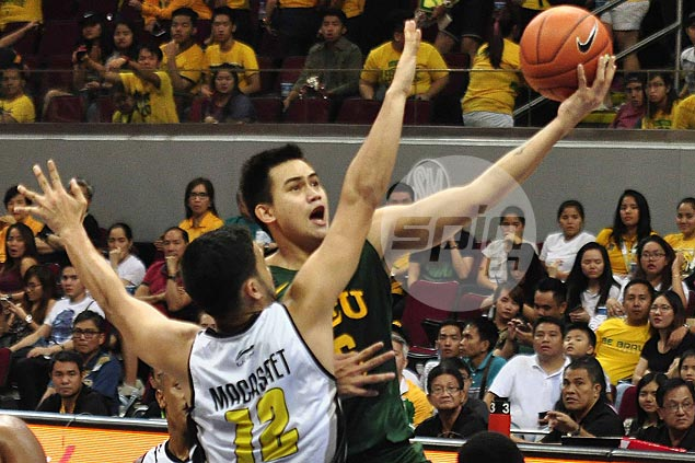 Trinidad, Jose power FEU Tamaraws past UST Tigers and into share of second spot