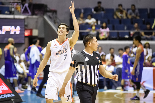 Shots fired as Cliff Hodge wishes for Meralco-Ginebra finale: 'I love playing against the crowd'