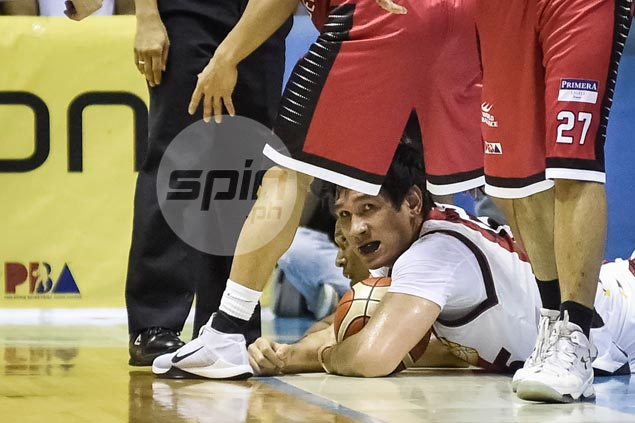 Banged-up Fajardo says it's no time to complain: 'Ayaw pa naming magbakasyon'