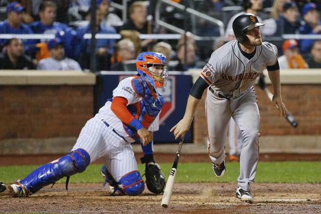 Bumgarner, Gillaspie power Giants past Mets and into NL Division Series
