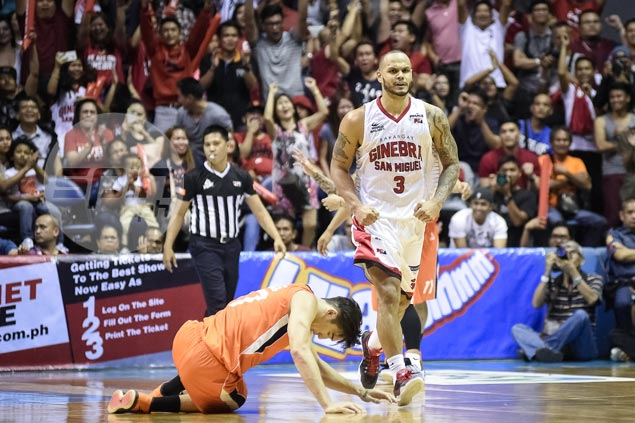 Ginebra holds off Meralco in Game Two, thanks to Sol Mercado's clutch putback