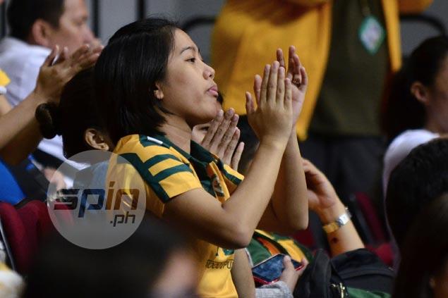 First Filipina GM Frayna shares inspiring story to FEU Tamaraws in dugout speech