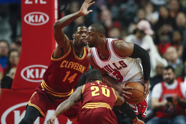 Dwyane Wade helps Bulls overpower Cavaliers side that held out the big stars
