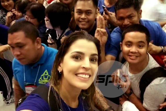 Filipino fans couldn't seem to have enough of Brazilian charmer Mariana Costa
